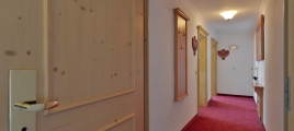 Eingang Doppelzimmer Typ B Hotel Glockenstuhl in Gerlos
