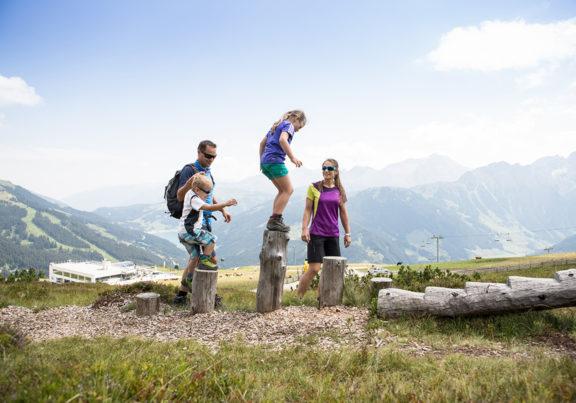 Wandern mit Kindern in der Zillertal Arena