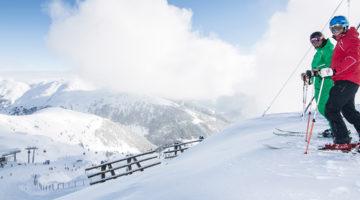 Skifahrer in der Zillertal Arena Ski und Fun Wochen